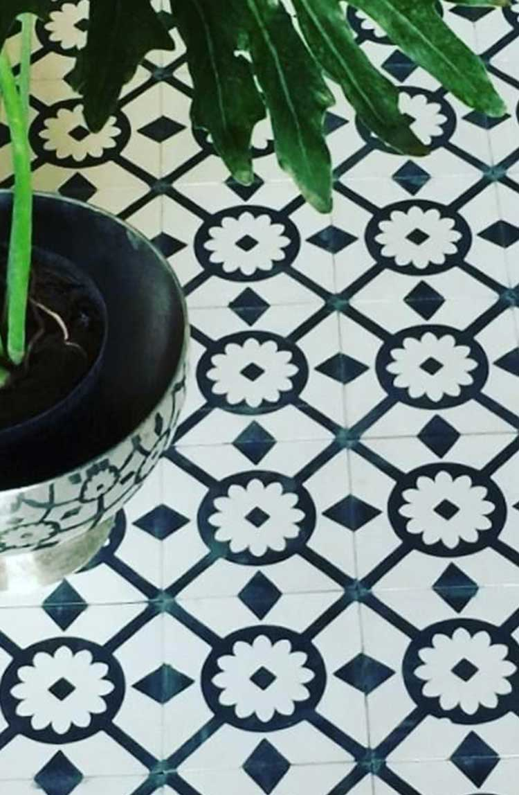 TassemiT Classic Collection cement tile CLA11_V02 | TassemiT Authentic Moroccan Tile Manufacturer